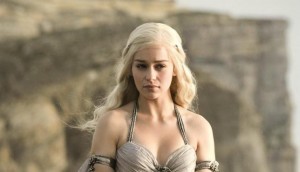 esquire-emilia-clarke-portada-daenerys-targaryen-game-of-thrones-hbo-george-rr-martin-21