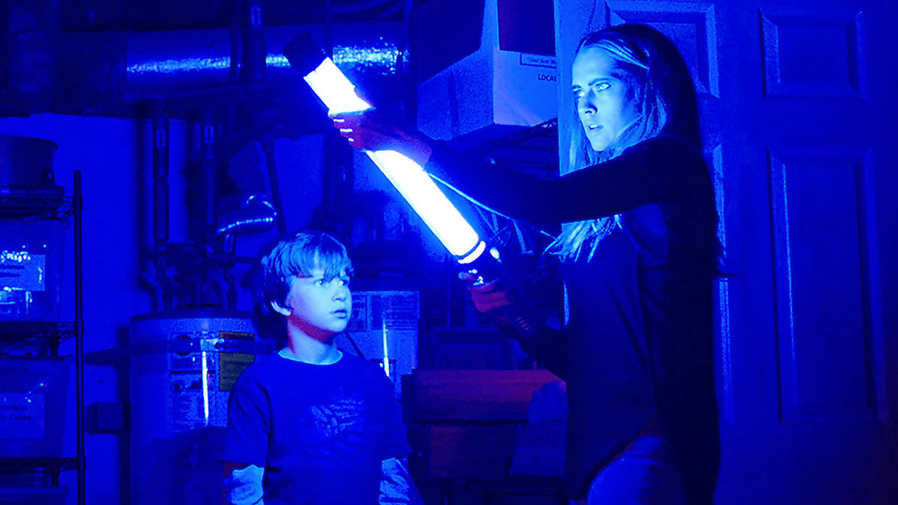 lights-out-movie-review-2