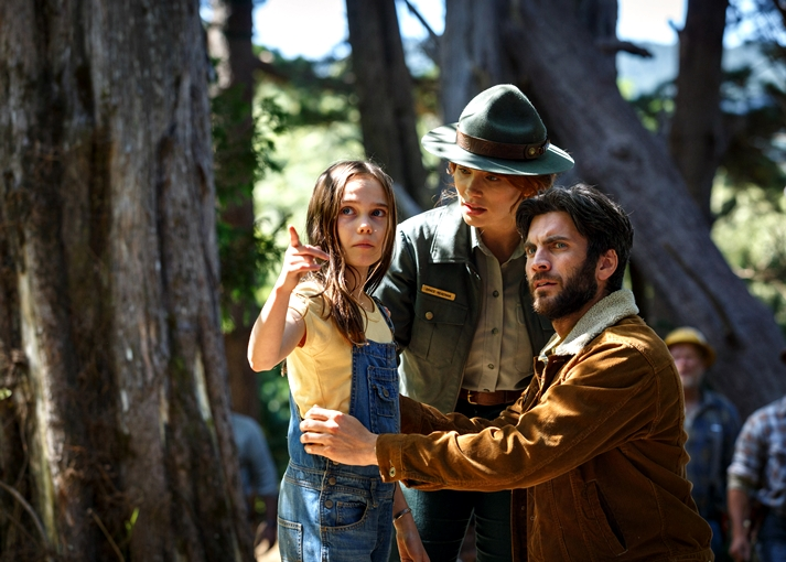 Bryce Dallas Howard is Grace, Wes Bentley is Jack and Oona Laurence is Natalie in Disney's PETE'S DRAGON, the adventure of a boy named Pete and his best friend Elliot who just happens to be a dragon.