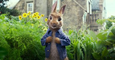 """Peter Rabbit""; cinta familiar deslucida por su humor grosero"
