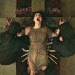 """""""The Crucifixion""""; Xavier Gens confirma su rumbo hacia lo convencional en esta tópica cinta de posesiones"""