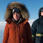 """""""Dos amantes y un oso""""; juventud en el ártico canadiense que reflexiona sobre los traumas del pasado y la diferente percepción del futuro"""