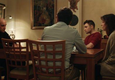 """""""Bajo la rosa""""; sólido drama de bajo presupuesto que bebe de la frialdad y el thriller de Michael Haneke con eficacia"""
