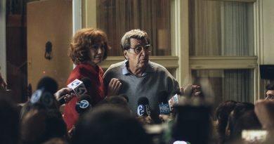 """""""Paterno""""; Al Pacino encarna con su impecable entrega una historia real del deporte americano correcta sin mucho más a causa de una plana corrección en la dirección"""