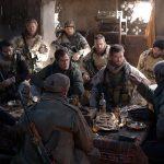 """""""12 valientes""""; patriotismo mezclado con buenas escenas de acción"""