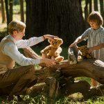 """""""Adiós Christopher Robin""""; plano biopic sobre el creador de Winnie the Pooh excesiva en su corrección y manipulador drama"""
