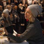 """""""Manifesto""""; una docena de Cate Blanchett ponen voz en el mundo actual a los Manifiestos Artísticos del Siglo XX en este experimental debut del artista Julian Rosefeldt"""