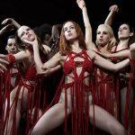 """""""Suspiria""""; un liberado Luca Guadagnino coreografía un fascinante, valiente y polémico regreso a la obra mítica de Dario Argento"""